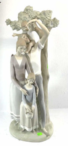 Lladro Family Group- Mother, Father, 2 Children