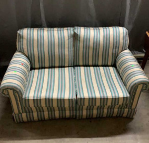 2 Cushion Love Seat Surry Collection