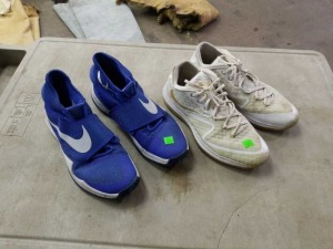 2 Pair of Mens Nike Shoes Size 12