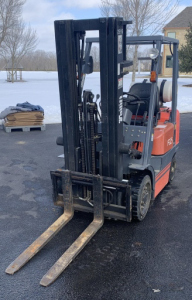 Tail Lift 5,000 Lbs Forklift 96hrs Showing