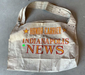 Indianapolis News Honor Carrier Canvas Messenger