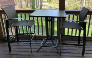 Brown Jordan Pub Table And 2 Chairs 32x39,